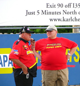 Bill Pratt, right, talking with Eddyville manager/owner and great guy, Gerald Kramer.