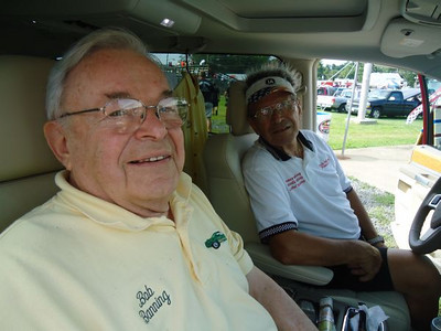 Mr. Bob Banning himself catches up with Julio Marra in the air conditioned comfort of a Bob Banning Dodge minivan!