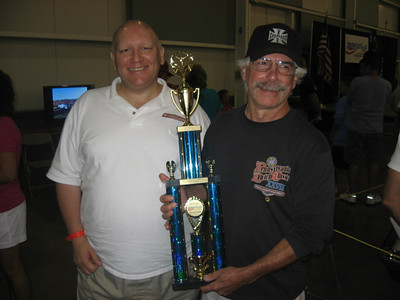 In  2005, Emily took a photo of Bill Pratt and classic Corvette drag racer Louis Vernarelli. Here is another shot taken five years later. Louis won third place in the Corvette category in the show.