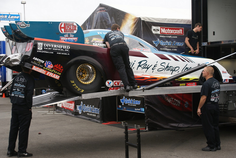 Tim Wilkerson's team unloading the car