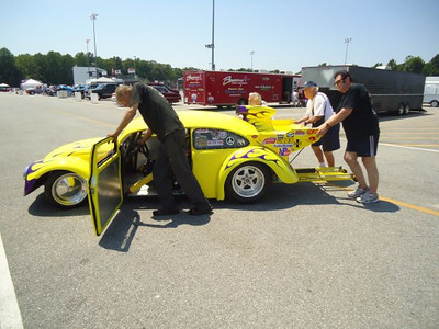 The tallest driver drove the shortest car at the 2012 Legends at Budds Creek event at MIR.