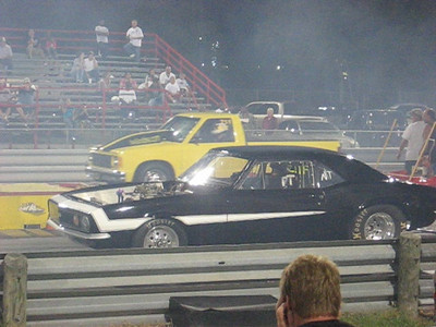 Video: 67 Camaro vs. late model Chevy S-10 pickup in Outlaw Back Half match.