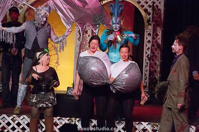 2014-10-31-DN-Halloween Costume contest