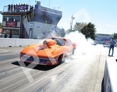 Dragging in the 50s Nostalgia Race 9-27-2015