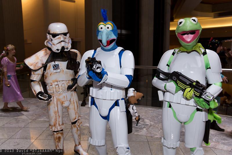 Sandtrooper, Gonzo, and Kermit the Frog