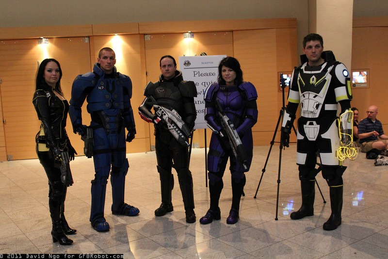 Miranda Lawson and Commander Shepards