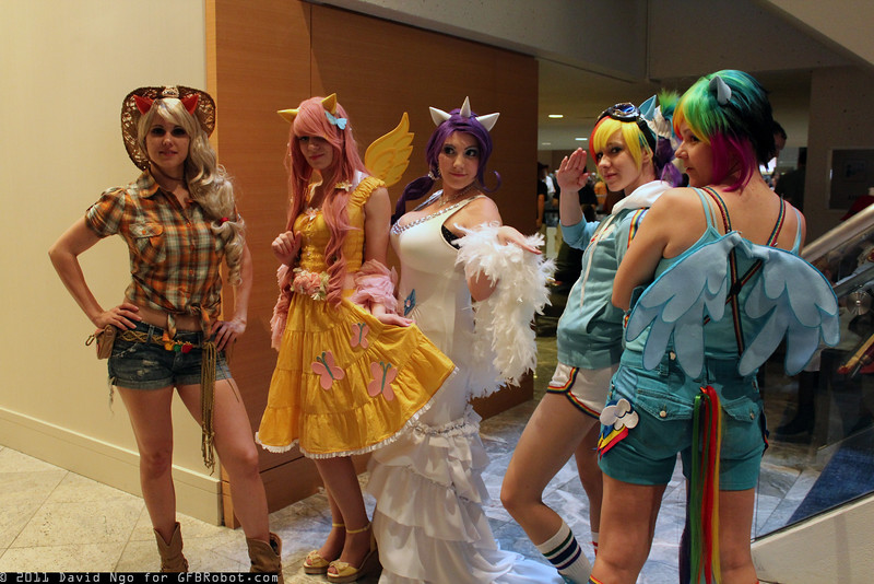 Applejack, Fluttershy, Rarity, and Rainbow Dashs