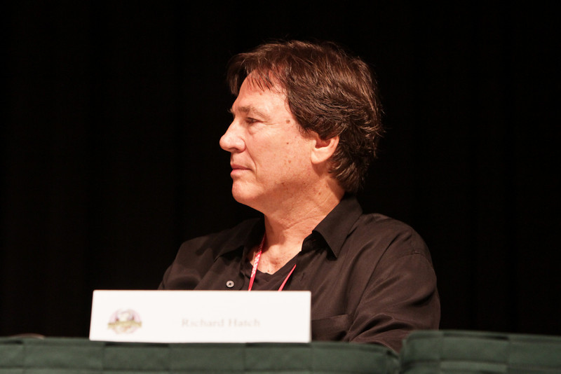 BSG: Cylons and us, the same or different? panel at DragonCon 2010 featuring Richard Hatch