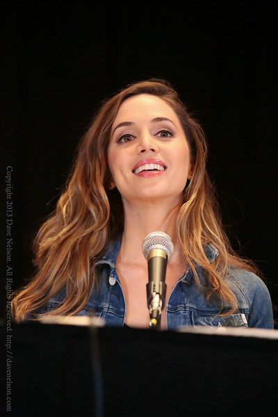 Eliza Dushku of Dollhouse at DragonCon 2013