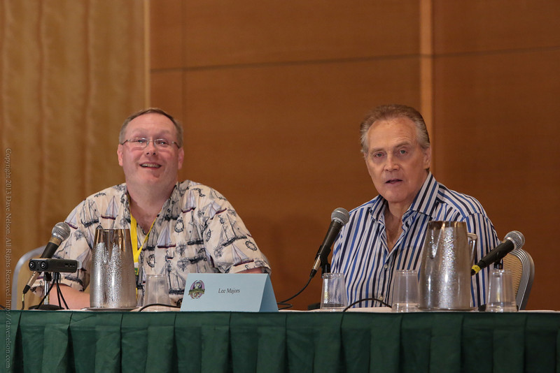 Lee Majors of The Six Million Dollar Man and Fllguy at DragonCon 2013