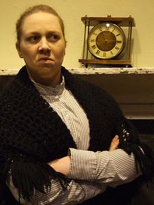 Fiona Buckley as 'Bessie Burgess'.