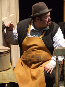 Dave Walsh as 'Fluther'.