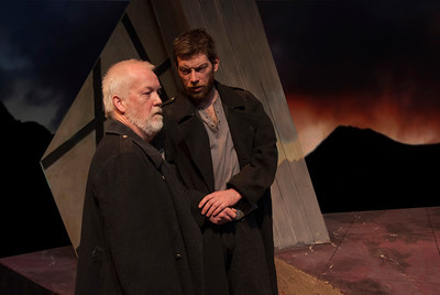 l-r Tom Ronayne (Banquo) and Bob Kelly (Macbeth)