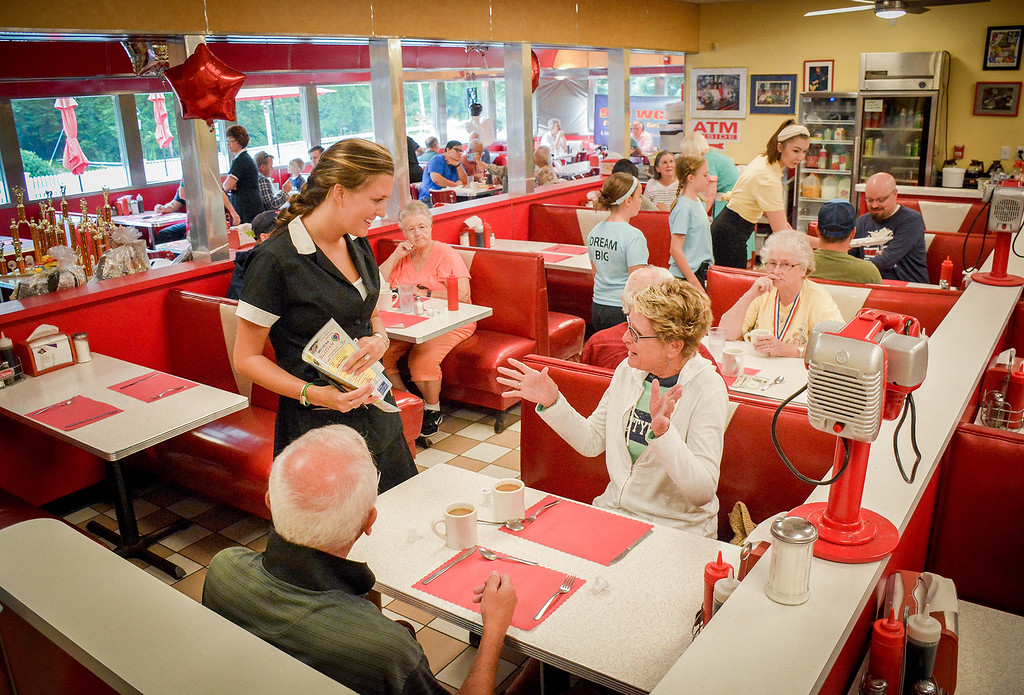 . Guests come out to Tyngsboro to celebrate Dream Diner\'s 20th Anniversary. SUN/Caley McGuane