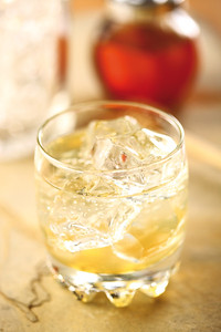 Canchanchara is a typical cocktail from Cuba made with strong alcohol (aguardiente) honey and lemon juice.