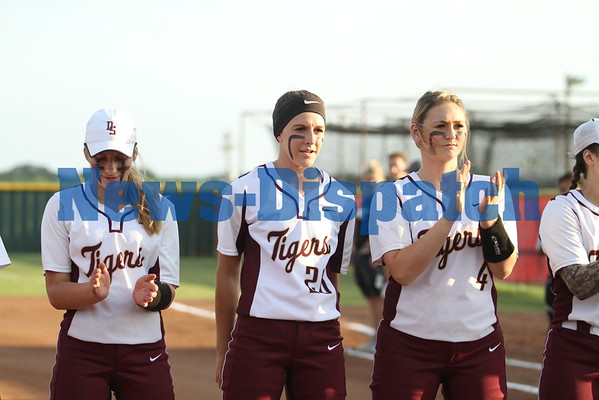 Dripping Springs defeats Vandegrift 6-0, claims 25-5A title