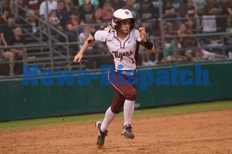 Dripping Springs softball falls to Austin in game 1 of best of 3 series