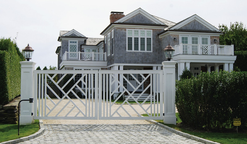 294 - Water Mill NY - Custom Chippendale Gate