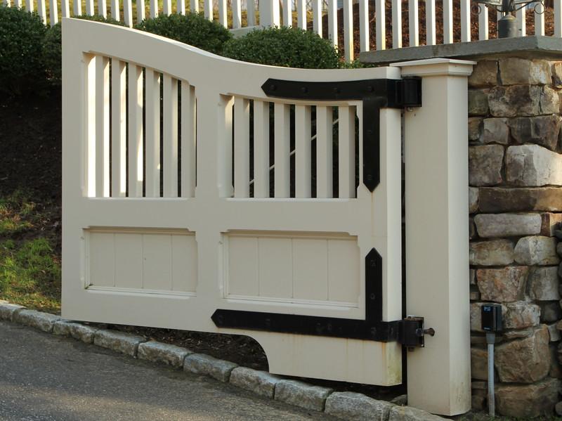 177 - 452752 - Wilton CT - Custom Driveway Gate