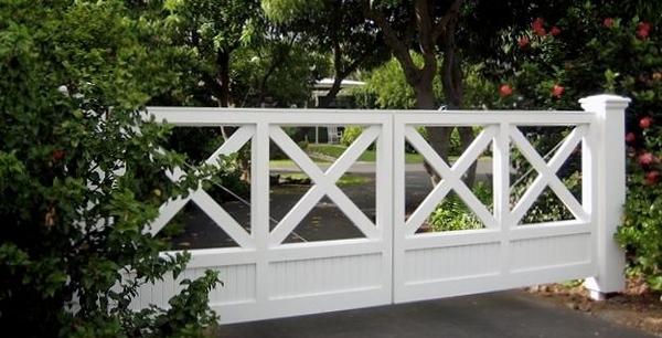 179069 - 95 - Hawaii - Custom Driveway Gate