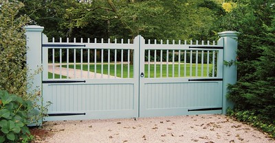 294 - East Hampton NY - Carriage House Gate