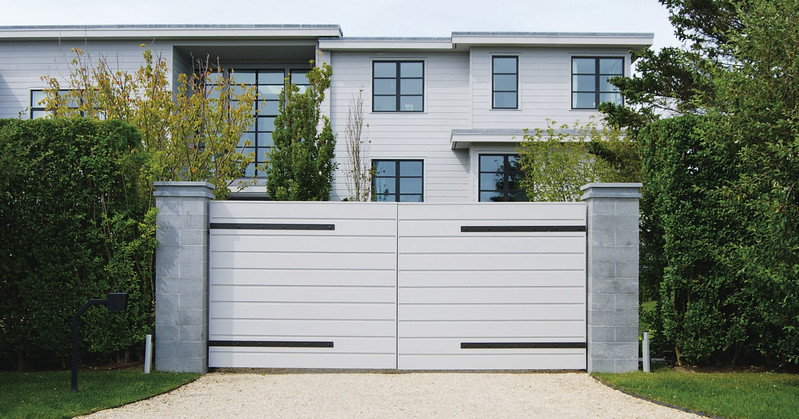 294 - Bridgehampton NY - Custom Contemporay Horizontal Board Gate