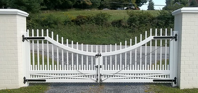198 - 406769 - Salt Point NY - Westchester Driveway Gate