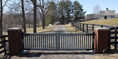 177 - 356638 - Verbank NY - Custom Mahogany Driveway Gates