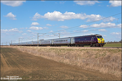 82205, propelled by 91110 passes Frinkley Lane, Marston whilst forming 1A29 1215 Leeds-London King's Cross on 03/04/2013.