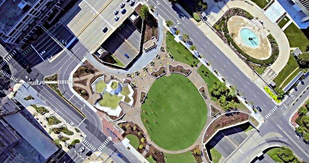 Richmond's Kanawha Plaza