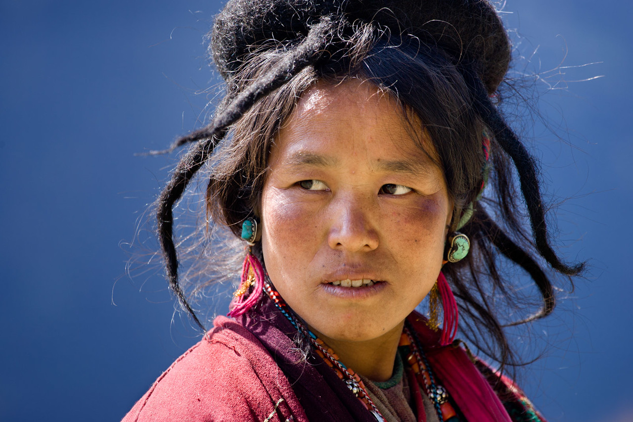 Brokpa lady. Near Chaling village. Radi/Rangjung.