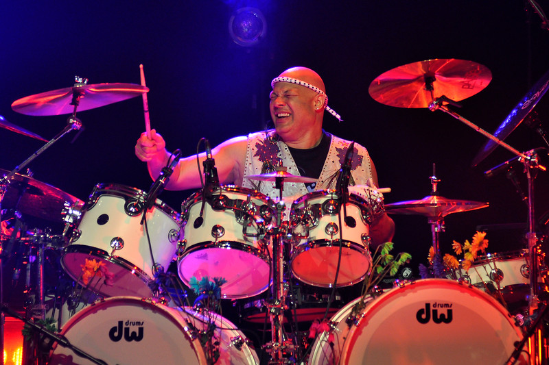 SAN FRANCISCO, CA-APRIL 16: Narada Michael Walden performs with Jeff Beck at the Masonic Auditorium in San Francisco on April 16, 2010. (Photo by Clayton Call/Redferns)