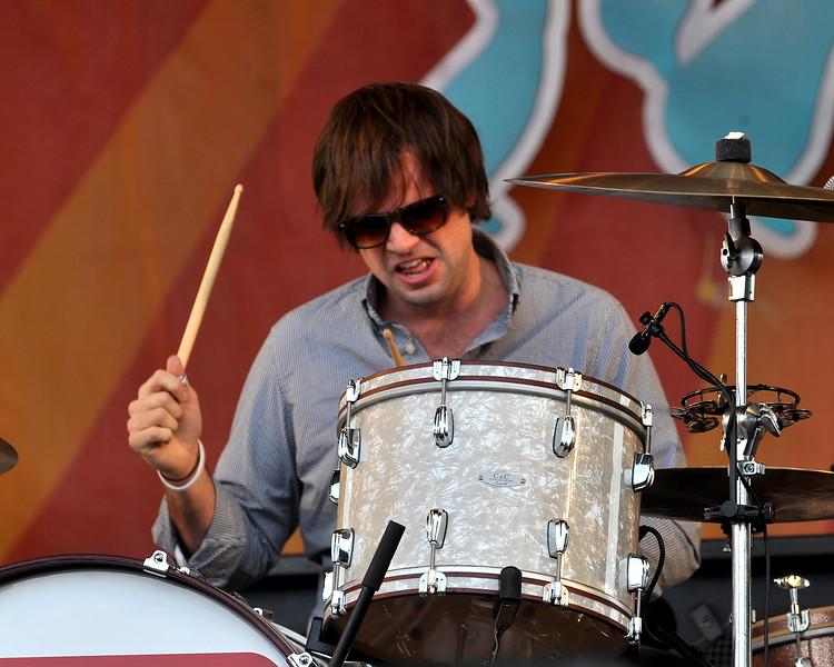 Jordan Richardson performing with Ben Harper & Relentless 7 at the New Orleans Jazz & Heritage Festival on April 30, 2009.