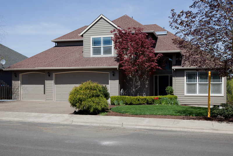 Offered at $369,000. Updated 4 bedroom, 3 and a 1/2 bath (2696sqft), three story view property on a quiet cul-d-sac. Large three car garage. 15621 SW Oriole Ct, Sherwood, OR.  Short walk to Archer Glen elementary and Sunset park. Please take a look at the three pages of pictures and amenities on this site and contact Troy Johnston at 503 616-8091 or troy.johnston@century21.com. Viewing with appointment. MLS #11031070.