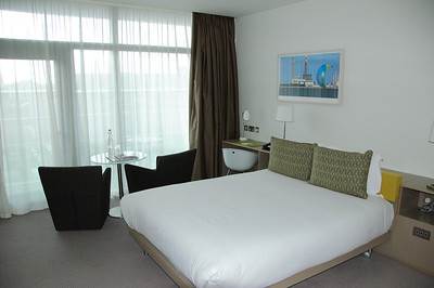 Hotel Room (3)