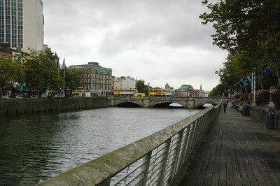 Eden Quay Promenade (2)