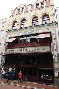 Bewley's Oriental Cafes Ltd We had a huge Irish breakfast here.  Very tasty.