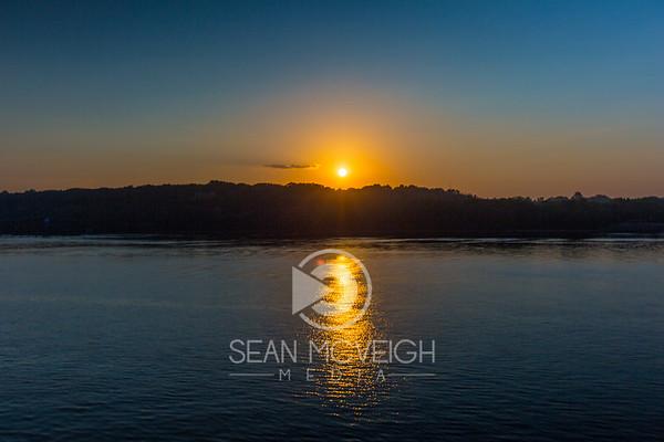 Sunrise along the Mississippi River