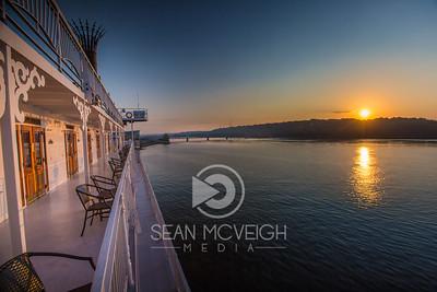 Sunrise on the Missippi