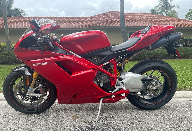 Ducati 1098S -  (1)
