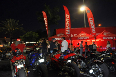 Almost the complete staff from Ducati Miami and Ducati Forza were here, greeting friends and answering questions