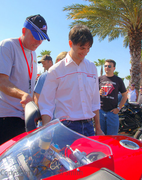 "Jeff Hudlett, overall winner shows Gianni Fabbro his 1098S and lets him have a twist or two of the throttle ""music"""