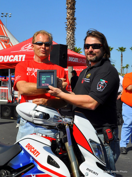 Guido's Hypermotard took it's second win of the weekend in the 2 valve class