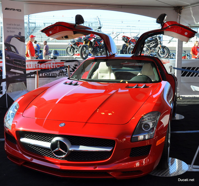A quick look at the AMG display.  One word - badass (is that two words?)