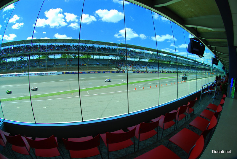Parting shot - taken from the suites - I always loved that the lead bikes go by,