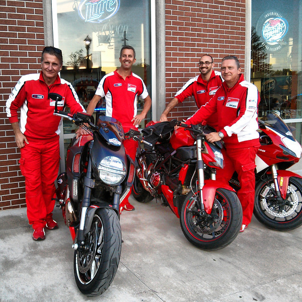 Friday night Ducati Club dinner. Look who came out to chat. Nice!
