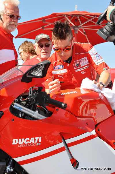 Then Nicky autographed the bike, just to prove it was really him.
