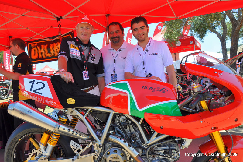 That's the new NCR Hailwood Replica (from left, Cook Neilson, Joe Ippoliti, Michele Poggipolini )