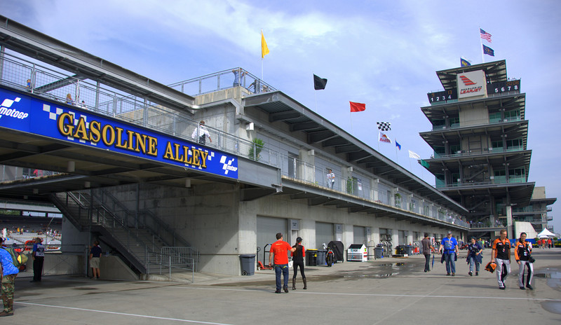 Saturday am and the weather was FINE. After years of attending car events at the Speedway I thought the Gasoline Alley sign looked pretty cool in blue