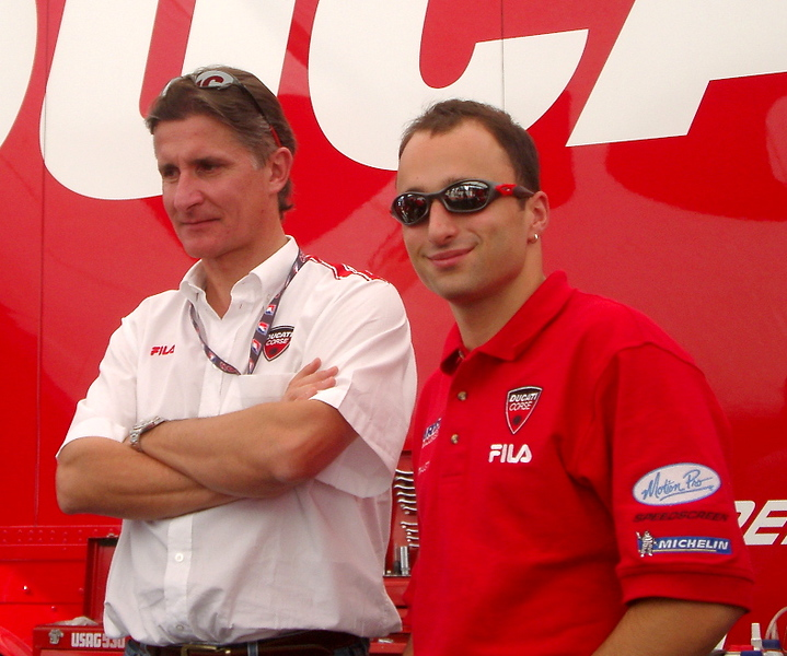 And that's Lorenzo Lanzi, rider of the Briel Ducati 749R, on the right with Ducati Corse race director Paolo Ciabatti.  It's safe to say the big guns are in the house